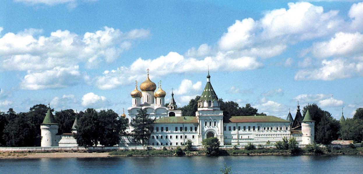 בנתיבי המים המלכותיים של רוסיה
