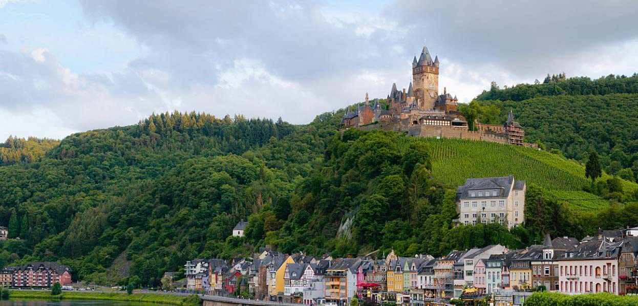טירות ועיירות על נהרות הריין, המיין והמוזל
