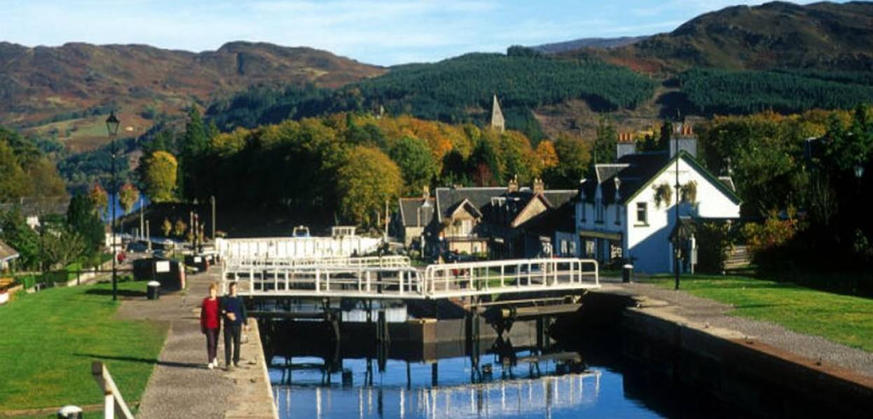 שייט תעלות עצמאי - סקוטלנד