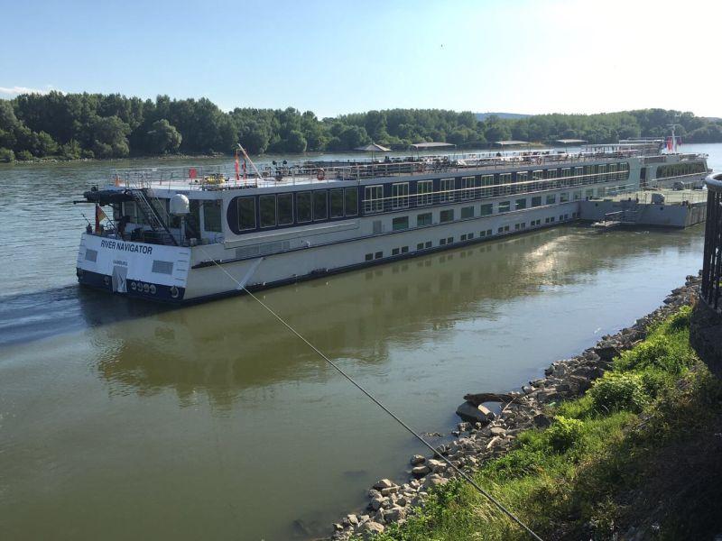 ספינה הנהר - גורדון טורס יוני 16